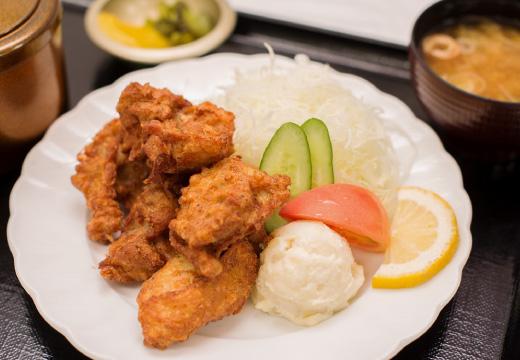 鶏のから揚げ定食