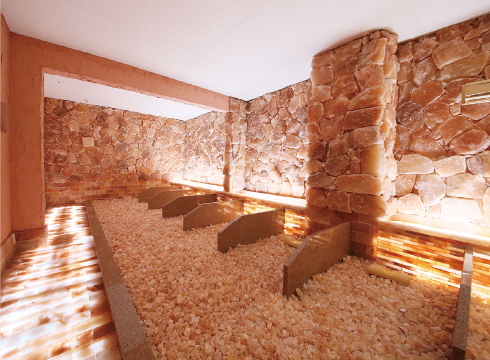 岩塩洞の室内の様子です。